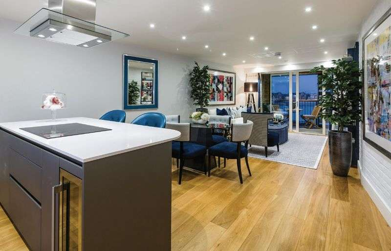 3 Bedrooms Flat for sale in Wapping Riverside, London