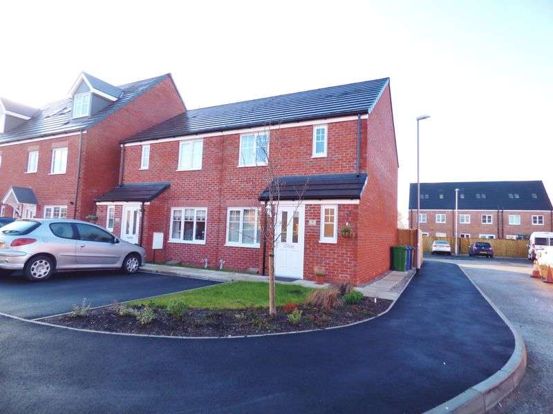 3 Bedrooms Semi Detached House for sale in Kerridge Drive, Warrington