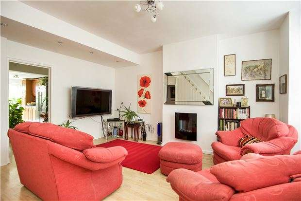 3 Bedrooms Terraced House for sale in Florence Road, SW19 8TN