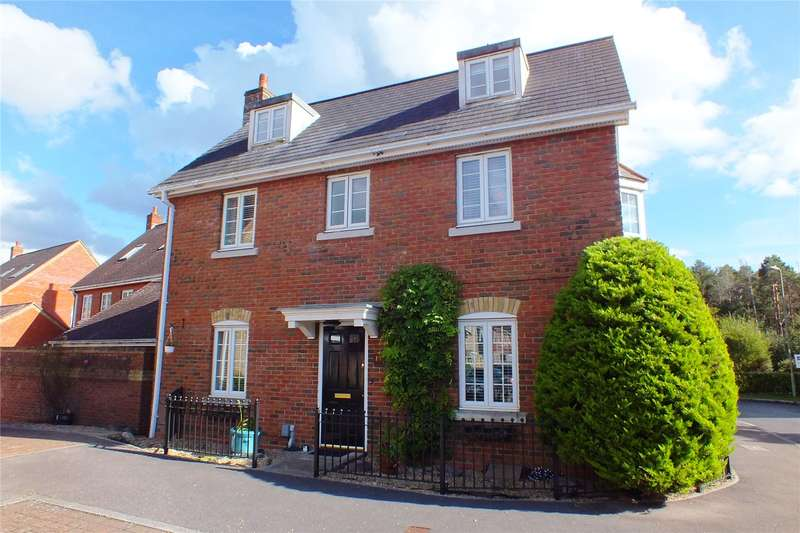 5 Bedrooms Detached House for sale in Turgis Road, Fleet, Hampshire, GU51