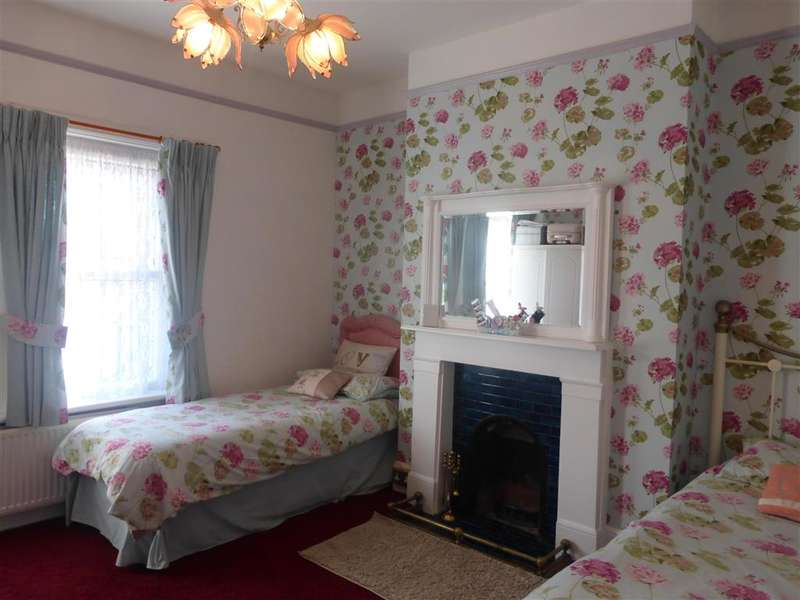 3 Bedrooms End Of Terrace House for sale in Grange Road, Ramsgate, Kent
