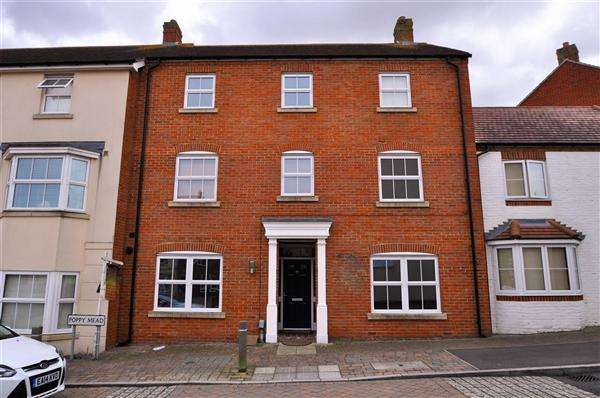 5 Bedrooms Terraced House for sale in ASHFORD TN23