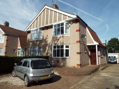 3 Bedrooms Semi Detached House for sale in Marina Gardens, Cheshunt, Waltham Cross, Hertfordshire