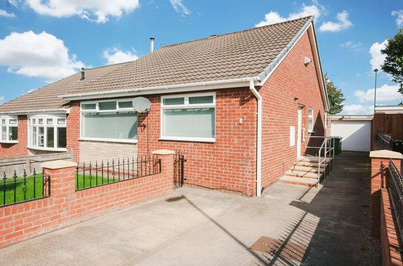 2 Bedrooms Semi Detached Bungalow for sale in Fernhill Road, Eston, Middlesbrough, TS6 9HY