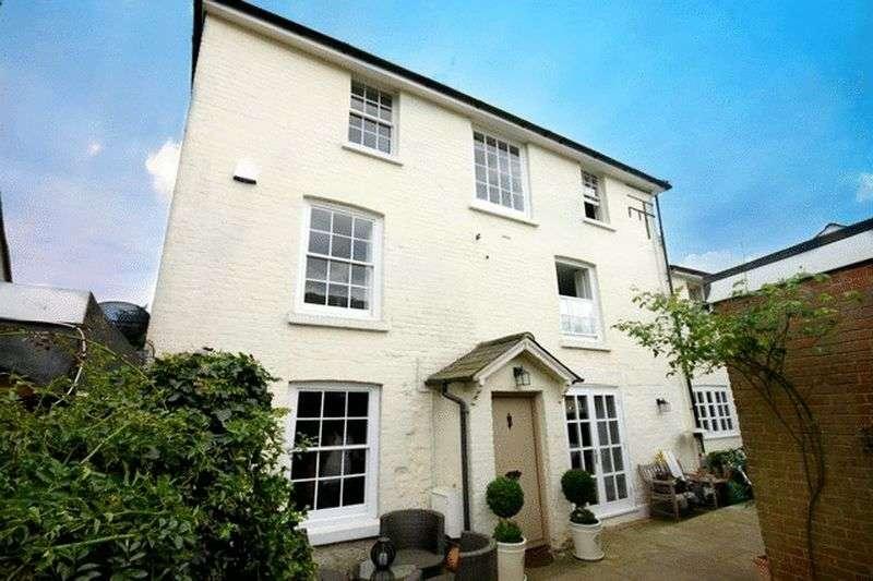 4 Bedrooms House for sale in Godstone Green, Godstone