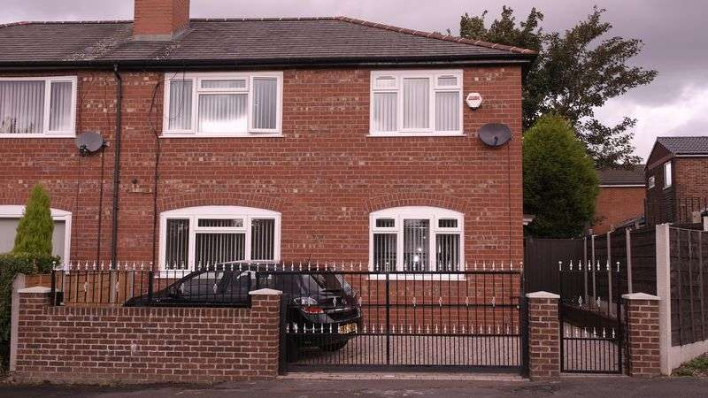 3 Bedrooms Semi Detached House for sale in Chelsea Road, Manchester