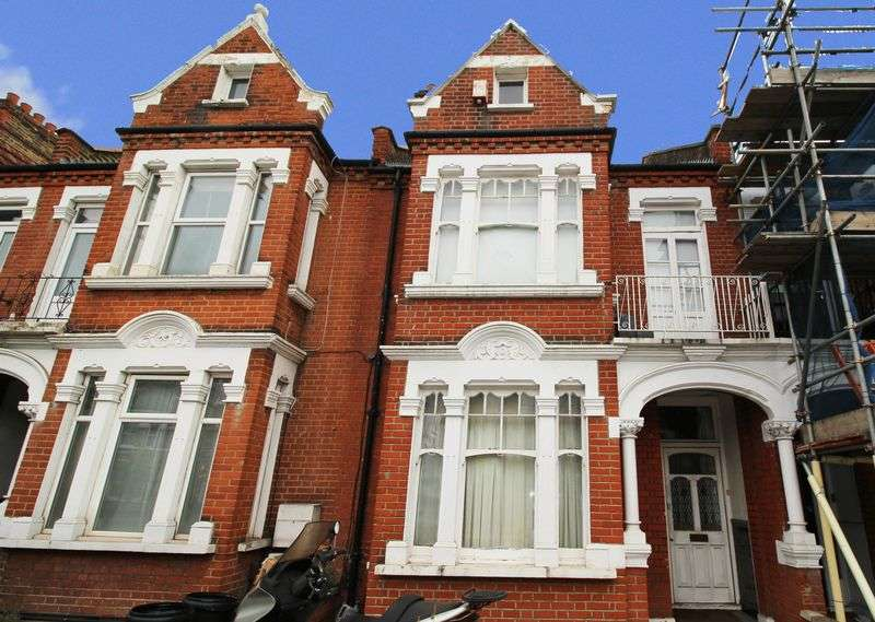 5 Bedrooms Terraced House for sale in Trinity Road, Wandsworth