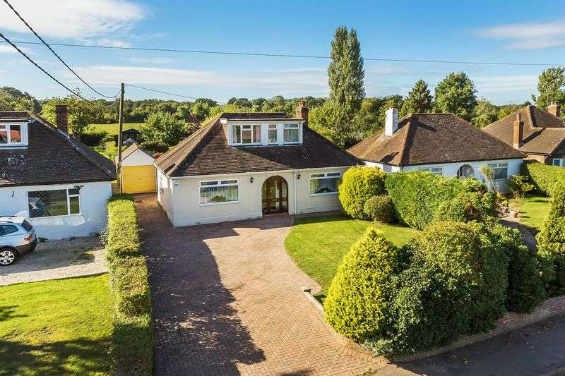 4 Bedrooms Detached House for sale in Frog Grove Lane, Guildford