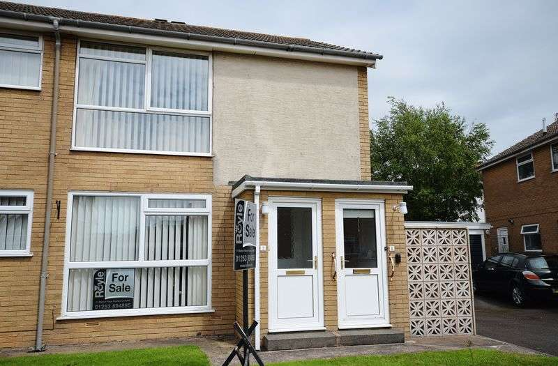 1 Bedroom Flat for sale in 7 Ashley Court, Poulton-Le-Fylde Lancs FY6 7SH