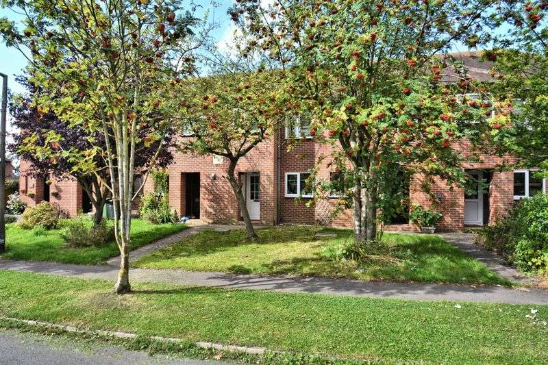 2 Bedrooms Terraced House for sale in High Street, Didcot