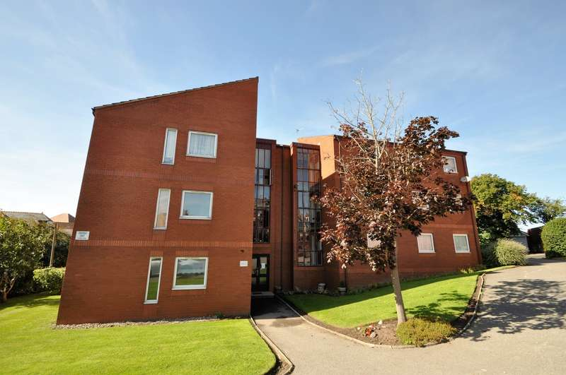 2 Bedrooms Apartment Flat for sale in Ennerdale Court, North Drive, Wallasey