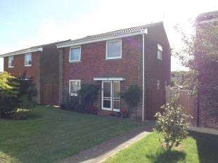 3 Bedrooms Detached House for sale in Tiltwood Drive, Crawley Down, West Sussex