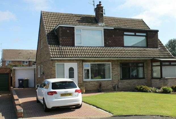 3 Bedrooms Semi Detached House for sale in Whitby Avenue, Guisborough