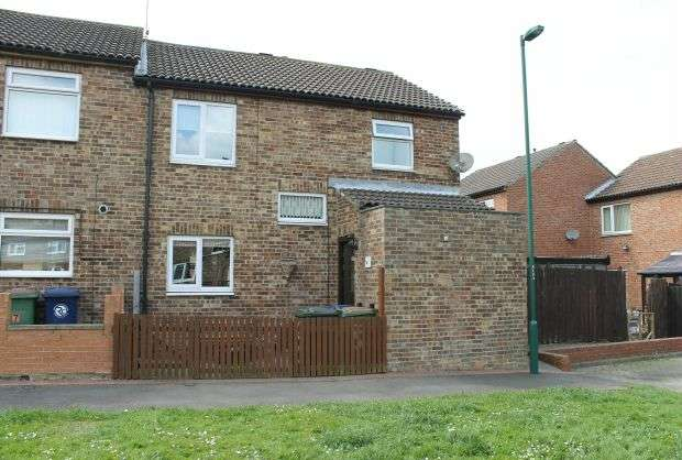 3 Bedrooms Terraced House for sale in Brockrigg Court, Guisborough