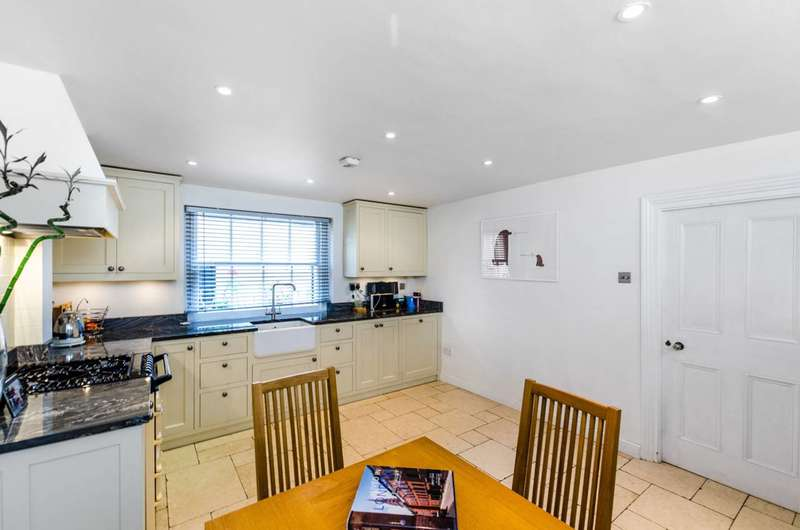 3 Bedrooms House for sale in Albany Street, Regent's Park, NW1