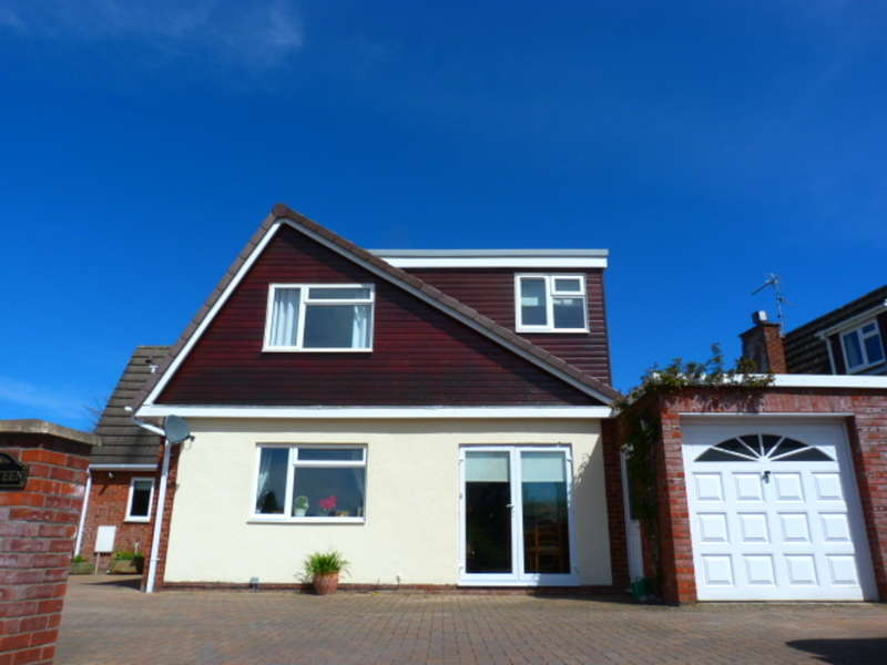 5 Bedrooms Detached House for sale in Tower View, Monmouth