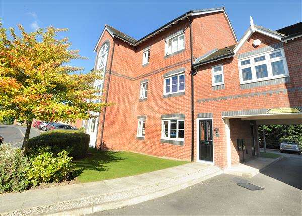 2 Bedrooms Apartment Flat for sale in 108 Dean Road, Cadishead, M44 5AJ