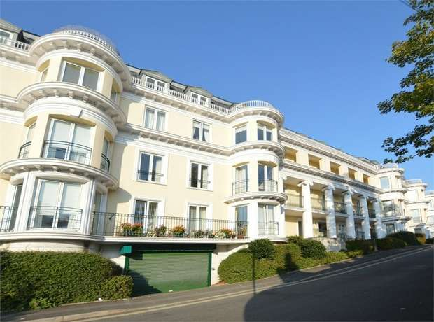 2 Bedrooms Flat for sale in The Vinery, Montpellier Road, TORQUAY, Devon