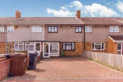 3 Bedrooms Terraced House for sale in Romford, Marks Gate, Chadwell Heath