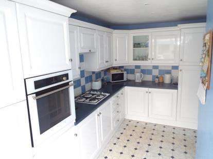 2 Bedrooms Bungalow for sale in Newmarket, Suffolk
