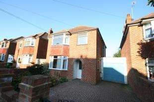 3 Bedrooms Detached House for sale in Sancroft Road, Old Town, Eastbourne, East Sussex