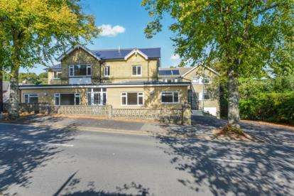 2 Bedrooms Flat for sale in 53 Victoria Avenue, Shanklin, Isle of Wight