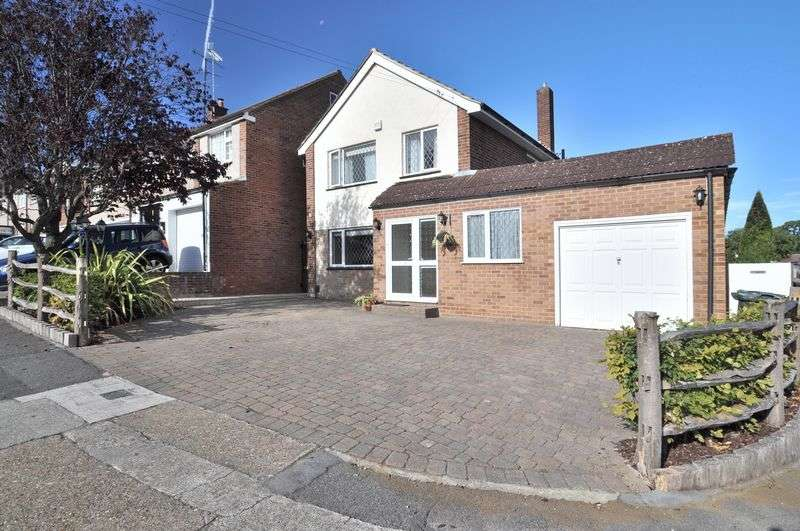4 Bedrooms Detached House for sale in Spurrell Avenue, Bexley