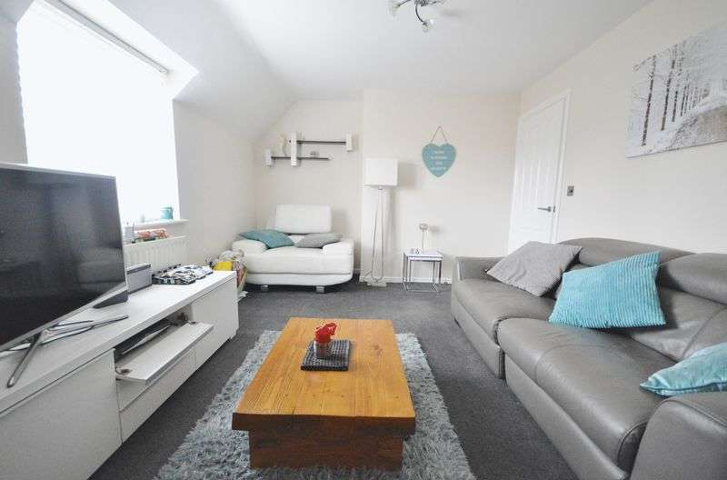 2 Bedrooms Flat for sale in Leeds Close, Oakley Vale, Corby