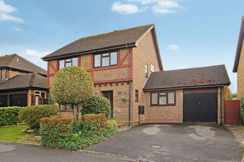 4 Bedrooms Detached House for sale in Guildford, Surrey, GU4