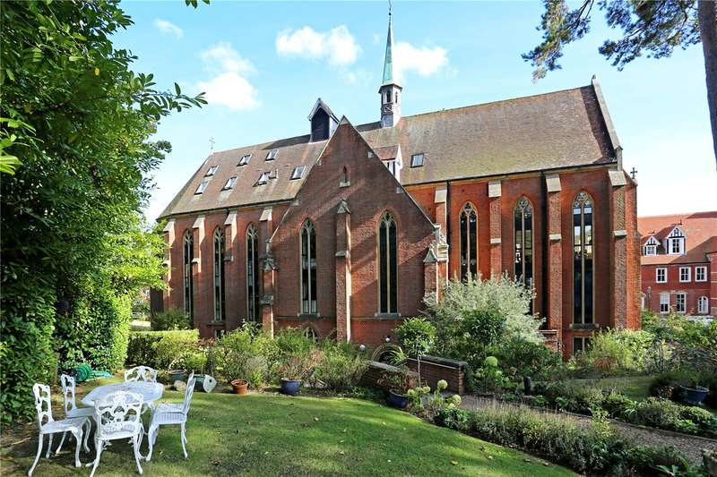 4 Bedrooms Flat for sale in Bolnore Road, Haywards Heath, West Sussex, RH16