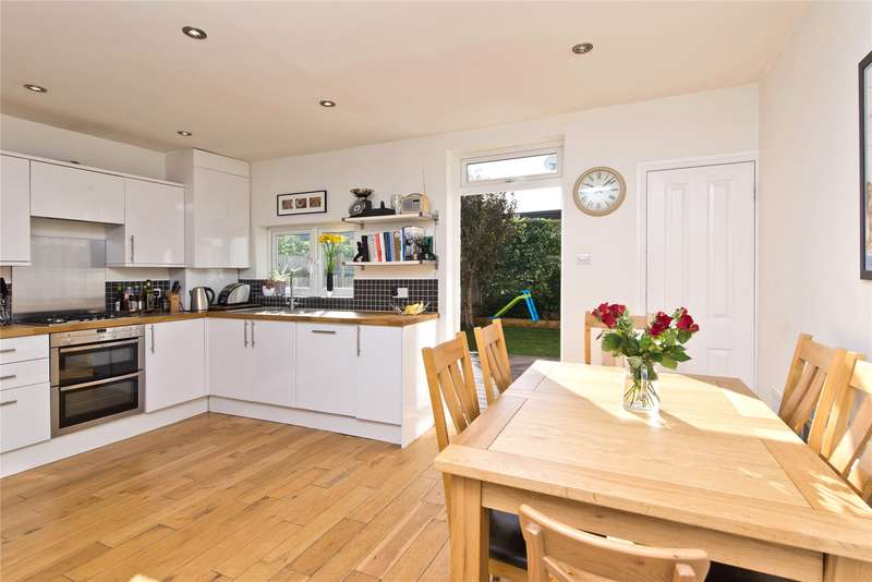 4 Bedrooms Terraced House for sale in Brookwood Road, London, SW18