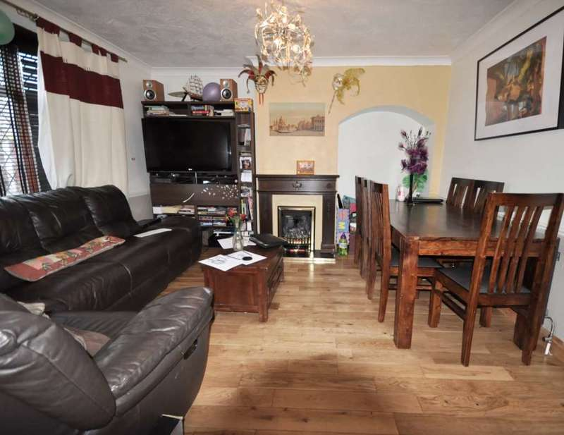 3 Bedrooms House for sale in Clementhorpe Rd, Dagenham
