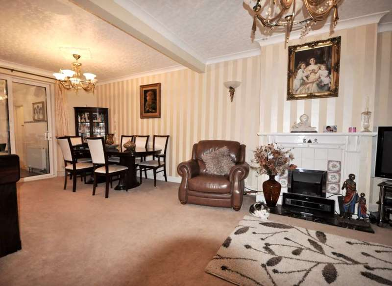 4 Bedrooms House for sale in Mawney Road, Romford