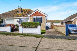 3 Bedrooms Bungalow for sale in Southview Road, Peacehaven, East Sussex, .
