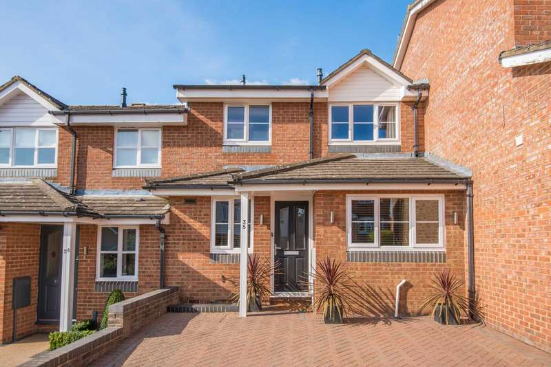 3 Bedrooms Terraced House for sale in Tortoiseshell Way, Berkhamsted