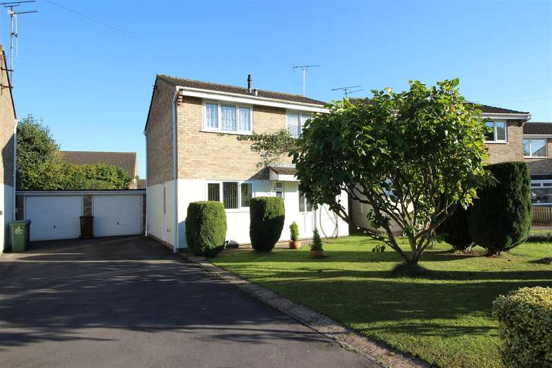 3 Bedrooms Property for sale in Villiers Close, Chippenham