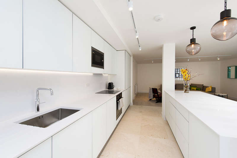 2 Bedrooms Flat for sale in Unit 2, White Horse Yard, N1 0QD