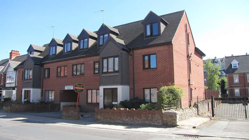 2 Bedrooms Flat for sale in Kings Road West, Swanage