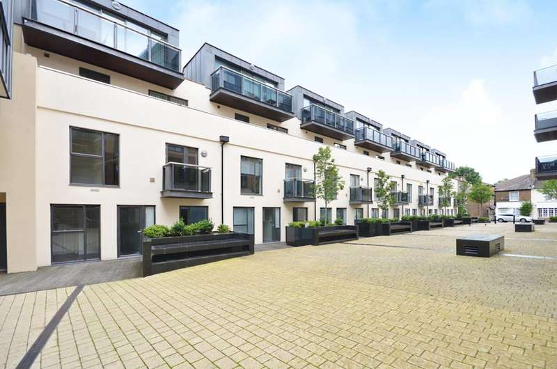 1 Bedroom Flat for sale in Old Post Office Walk, Surbiton, KT6