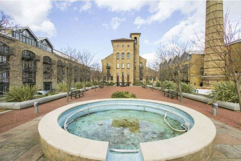 1 Bedroom Flat for sale in Burrells Wharf Square, London