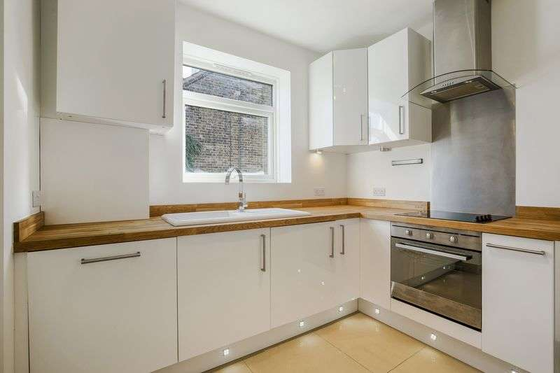 2 Bedrooms Flat for sale in Babington Road, London