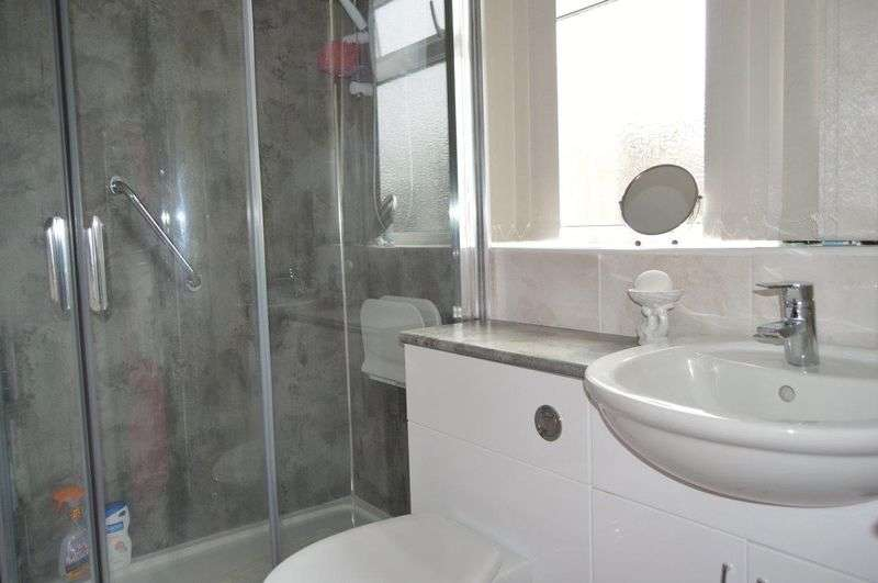 2 Bedrooms Semi Detached House for sale in St. Margarets Crescent, Immingham