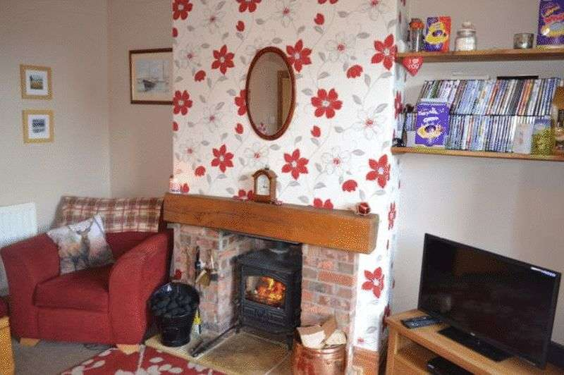 3 Bedrooms Terraced House for sale in Station Road, Healing