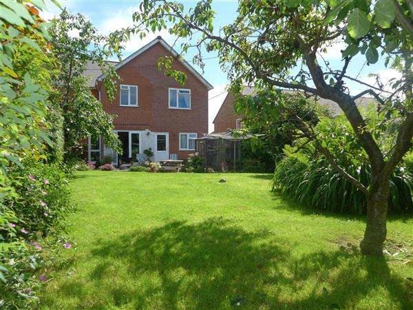 5 Bedrooms Semi Detached House for sale in St Georges Road, Shaftesbury