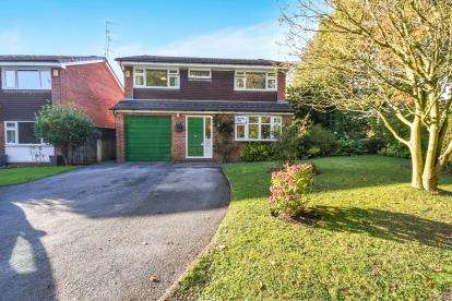 4 Bedrooms Detached House for sale in Ambleside Close, Beechwood, Runcorn, Cheshire, WA7