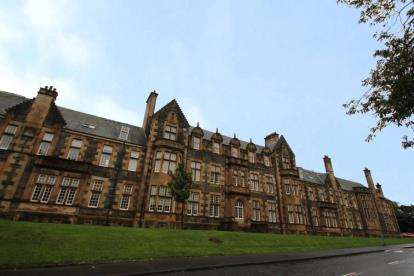 1 Bedroom Flat for sale in Parklands View, Glasgow, Lanarkshire