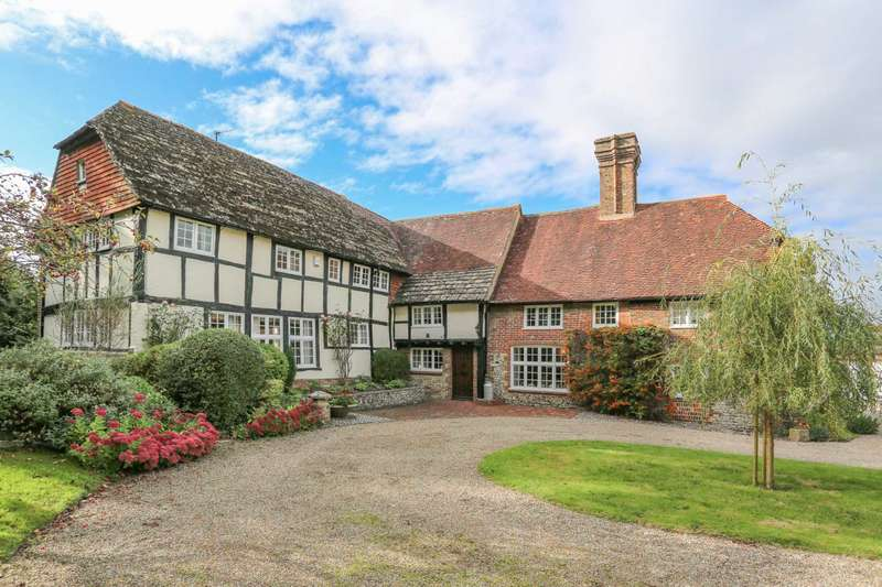 7 Bedrooms Detached House for sale in Picketts, Ditchling Road, Offham