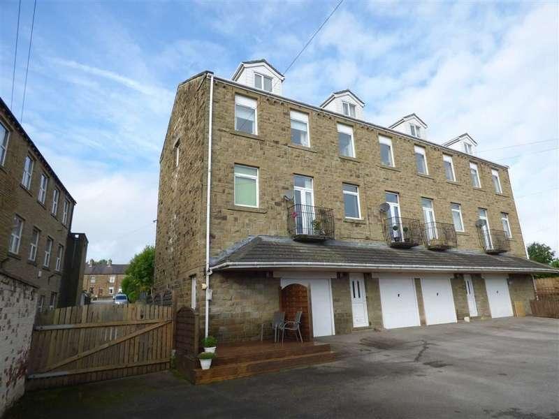 4 Bedrooms Property for sale in Gib Lane, Skelmanthorpe, Huddersfield, HD8