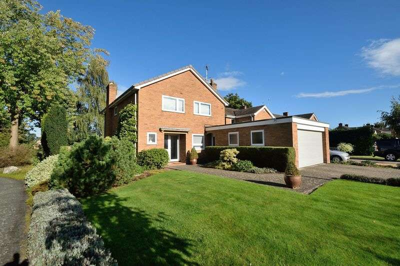 4 Bedrooms Detached House for sale in Rookery Drive, Chester