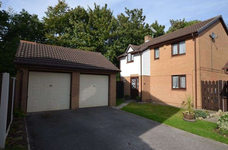 4 Bedrooms Detached House for sale in Audlem Close, Runcorn